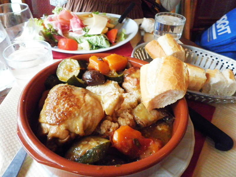パリのランチでタジン鍋
