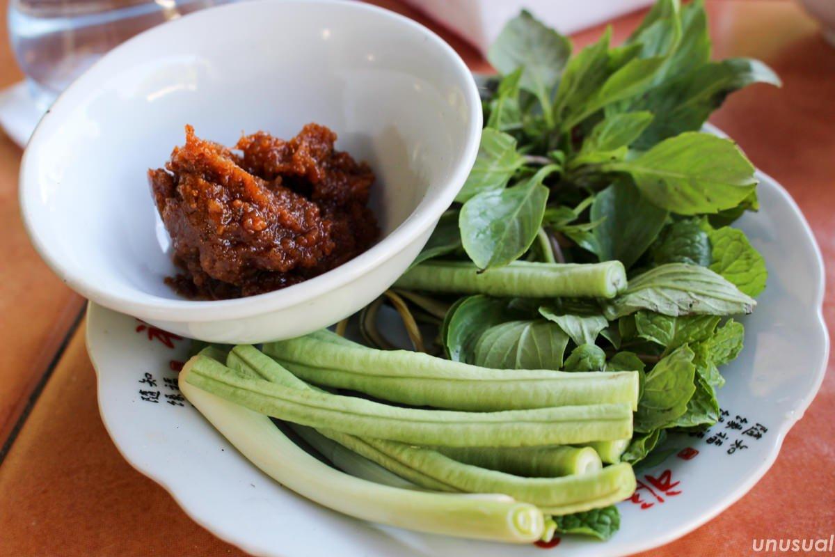 ラオス料理 生野菜