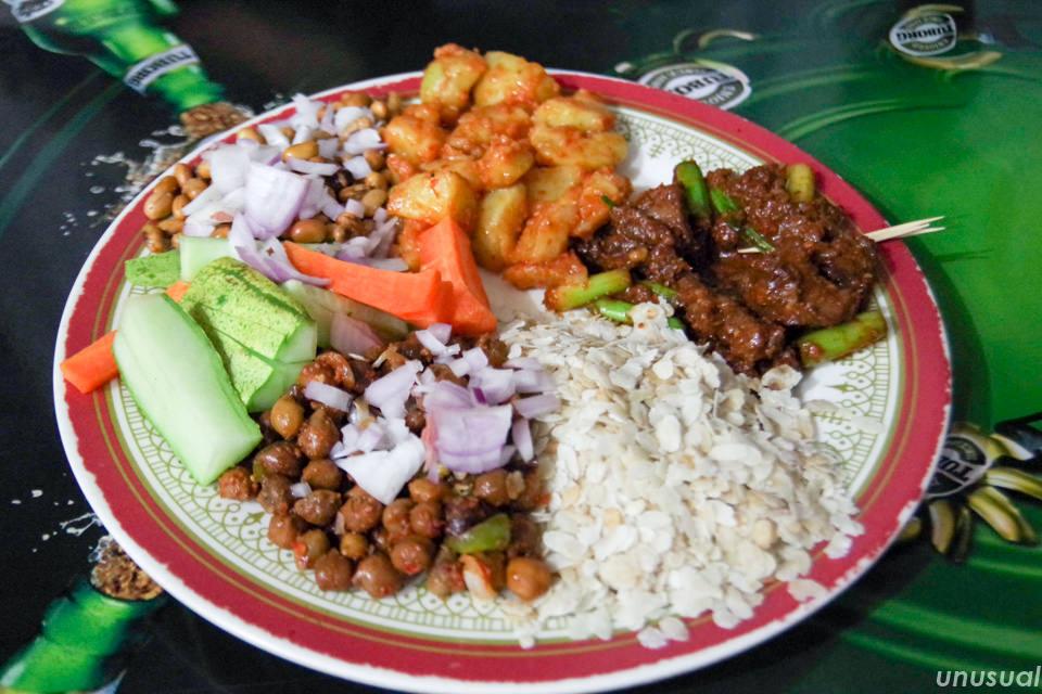 ネパールのカジャ(軽食)セット