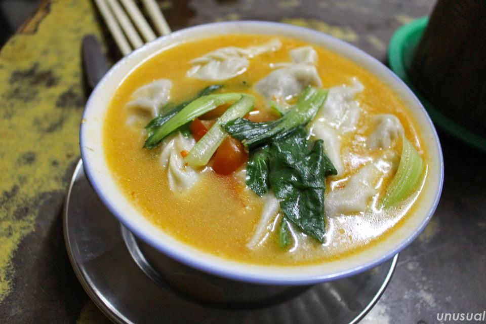 ネパール料理 スープモモ