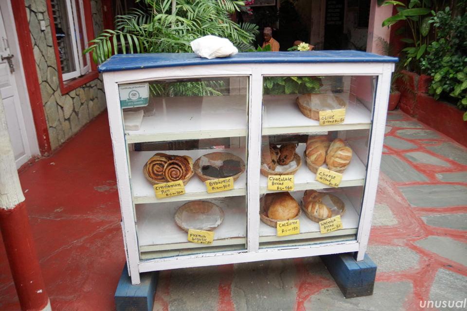 ポカラのパン屋