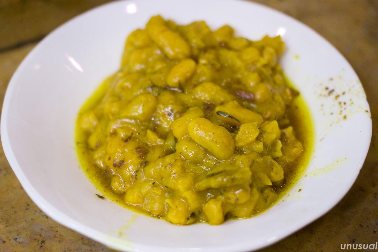 タンジーヤと一緒に出てくる豆の煮込み