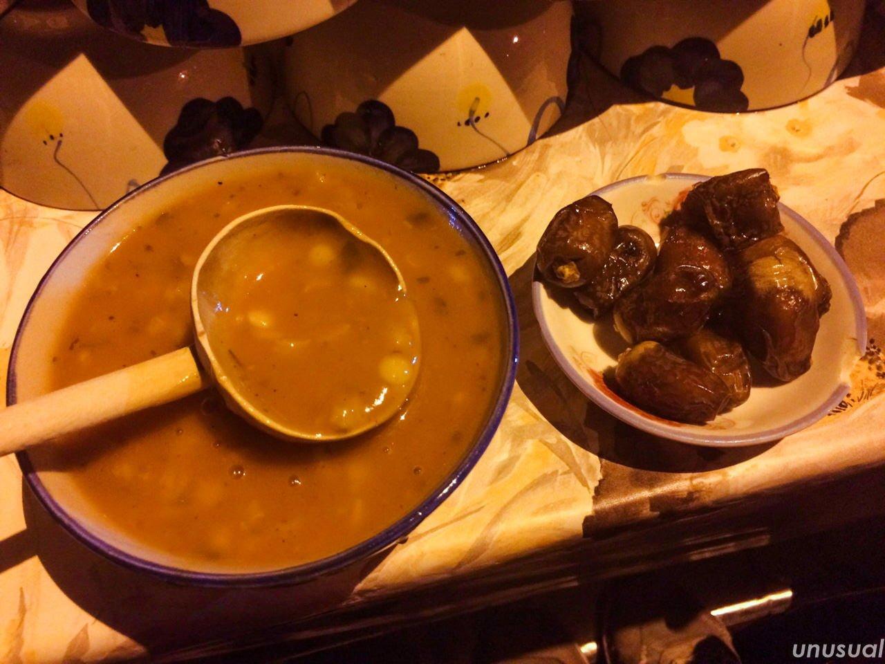 モロッコ料理 ハリラとデーツ